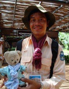 211-233x300 dans laos
